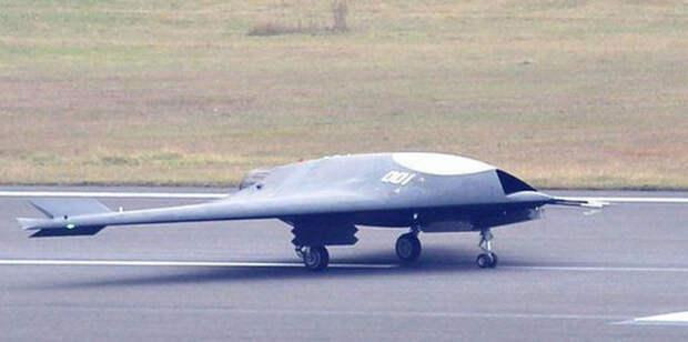 Китай строит авианосцы и разрабатывает палубную авиацию