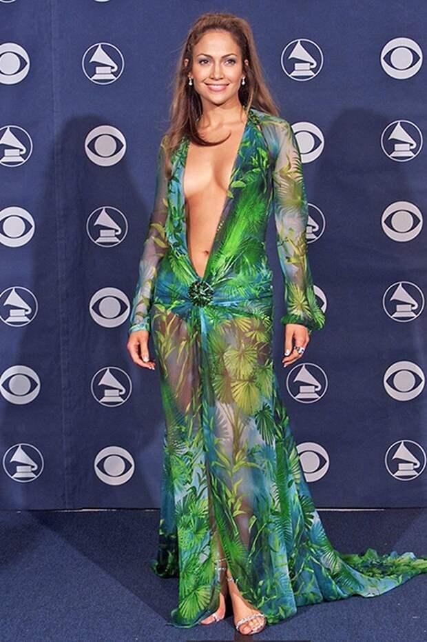 «Голые» платья звезд: самые скандальные наряды знаменитостей вистории отМэрилин Монро иБарбры Стрейзанд доБейонсе иМадонны