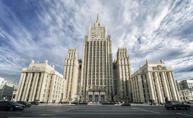 МИД России озабочен преследованием журналистов встранах Прибалтики