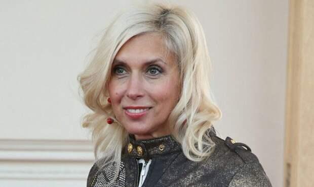После участия в программе Первого канала у Алёны Свиридовой начались серьёзные проблемы с кожей