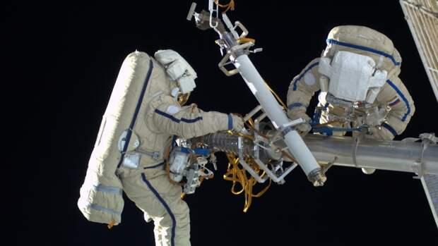 Россияне могут установить рекорд по выходам в космос с МКС в 2022 году