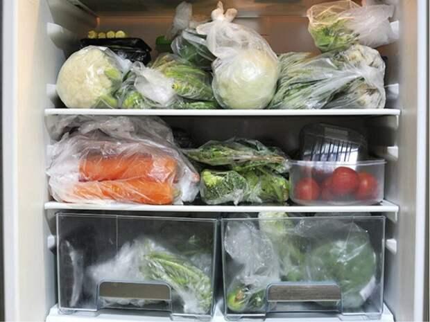 Овощи в полиэтиленовых пакетах не дышат. / Фото: Zen.yandex.ru