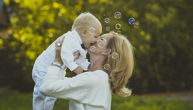 В Подмосковье самозанятые матери продолжают получать пособия
