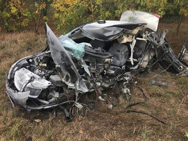 Один человек погиб в столкновении легковушки с автобусом в Крыму