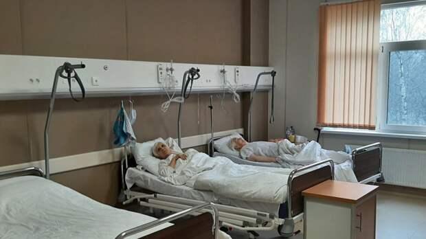 Более 400 новых коек для помощи больным COVID-19 организуют в Петербурге