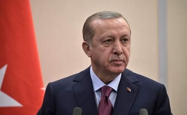 Эрдоган: Хафтар сначала согласился на перемирие, а потом сбежал из Москвы