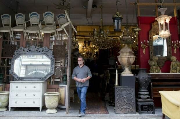 Полицейские гуляли по Брюсселю и неожиданно нашли украденную древнеримскую скульптуру
