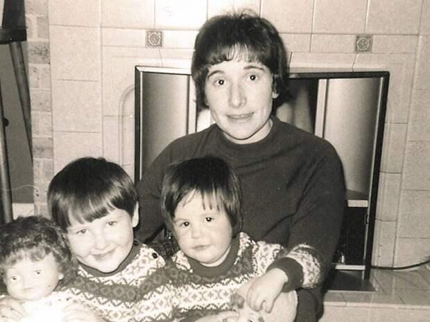 Изкумира вантигерои: как мир влюбился вДжоан Роулинг, азатем отверг ее