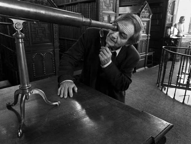 Роджер Пенроуз, автор первой теории квантового сознания