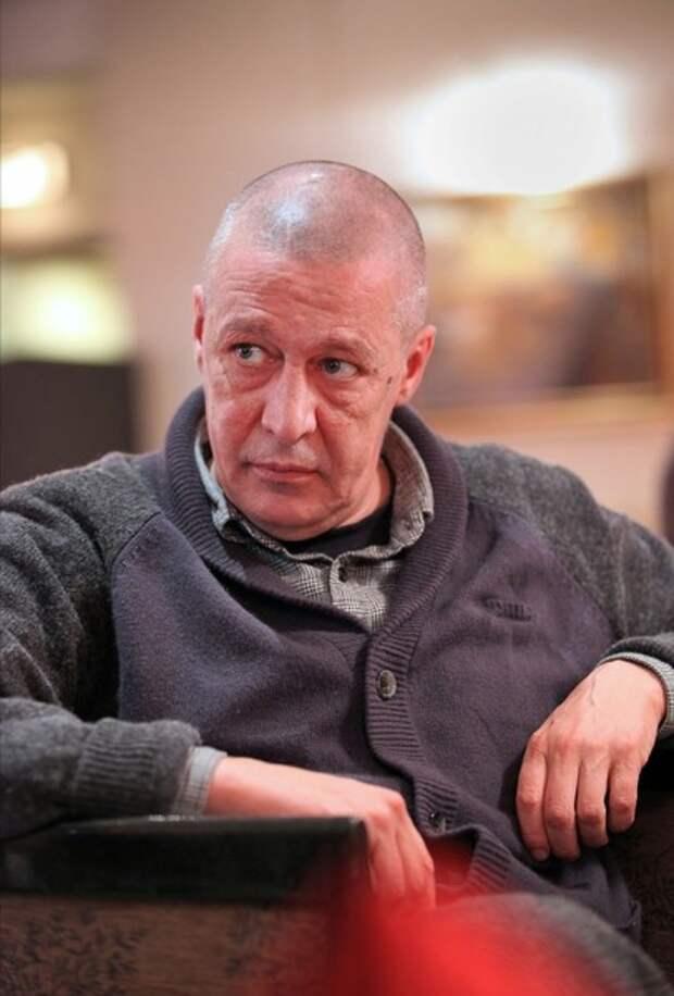 «Собрался с силами, чтоб остаться в живых»: Михаил Ефремов отмечает день рождения за решеткой
