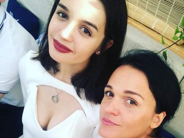 Певица Слава подарила юной дочери авто за 5 миллионов рублей