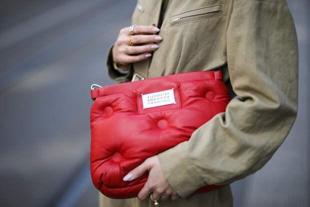Какую сумку выбрать на лето: гид по цветам и формам