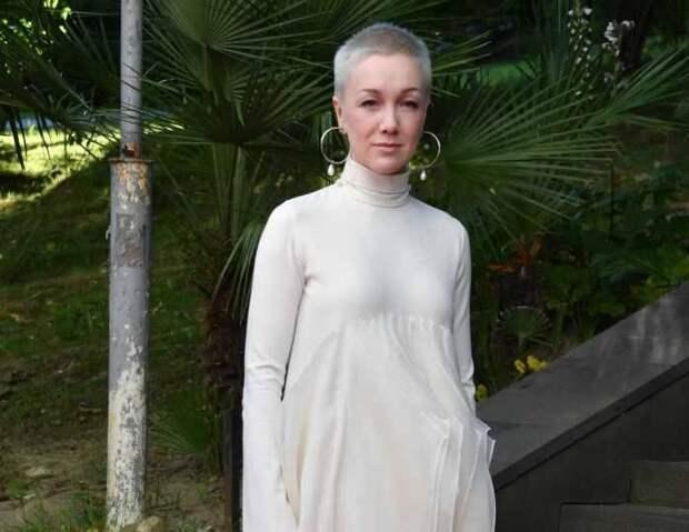 Дарья Мороз осваивает новую для себя профессию