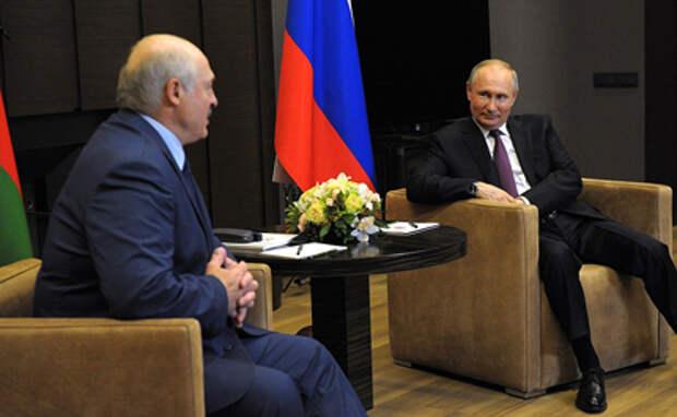 Тревожный чемоданчик. Лукашенко приехал просить помощи у Путина