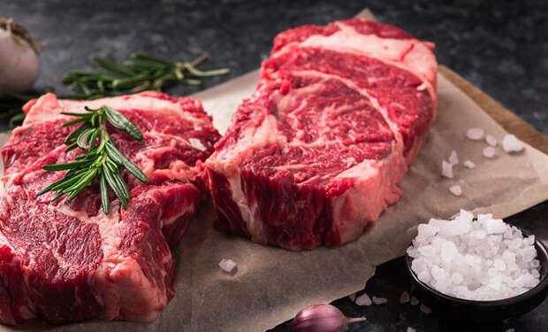 Секреты стейка: когда солить мясо