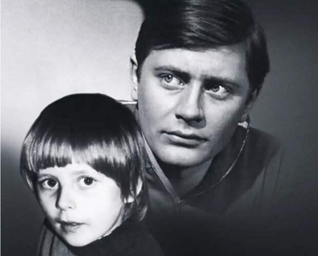 Актёр Валентин Смирнитский: построил дом, посадил древо, а сына не смог вырастить