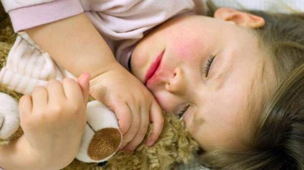 Больничный по уходу за ребенком: особенности предоставления и оплаты