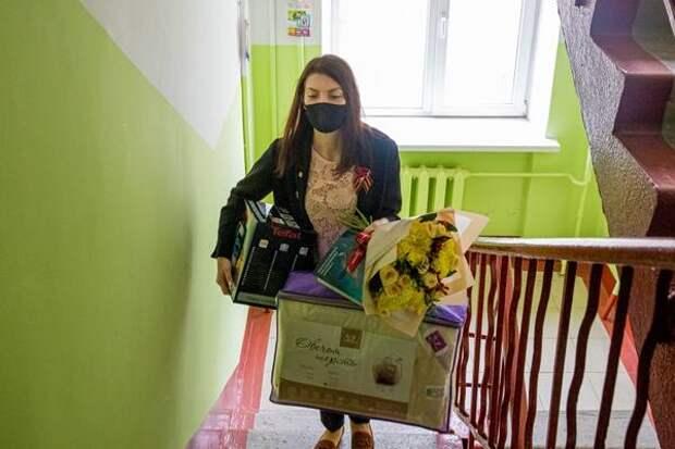 Вахта памяти: РРПК вручила подарки ветеранам в канун Дня Победы