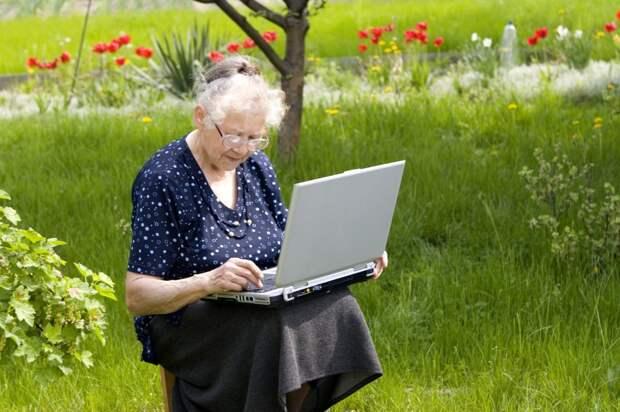 Пенсия работающим пенсионерам: новый закон 2021, индексация, перерасчет, увеличение