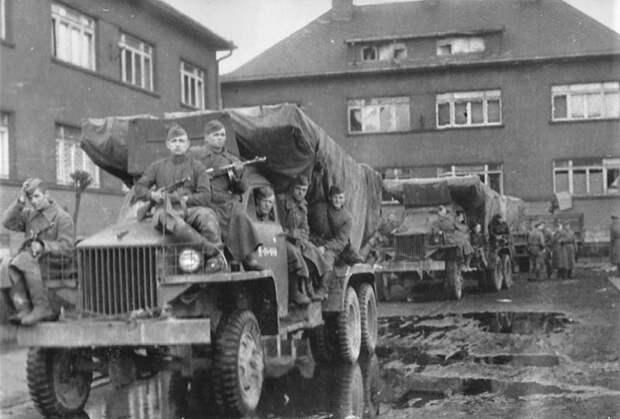 «Невероятный грохот взрывов и языки пламени»Как «катюши» наводили ужас на немцев и стали символом победы над нацизмом