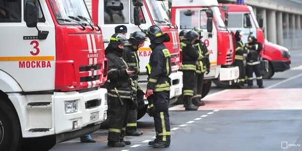 Из горевшей квартиры на Стартовой спасли двух человек