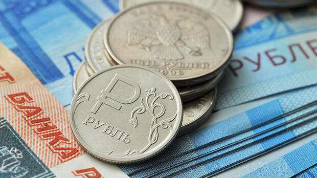 Эксперт перечислил ключевые факторы укрепления рубля этим летом