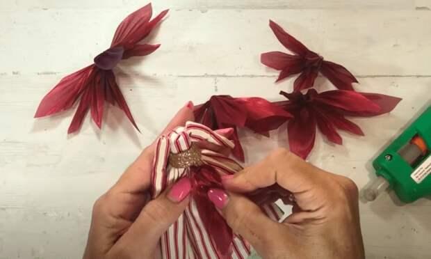 Самая красивая рождественская поделка своими руками: прекрасное украшение и великолепный подарок