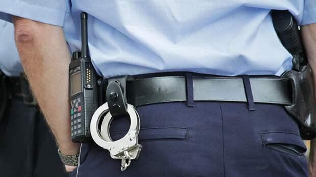 Полицейского с почти 20-летним стажем арестовали за производство наркотиков в США