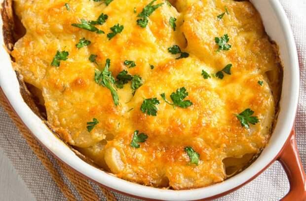 Заливаем картофель сливками и молоком: готовим по-французски