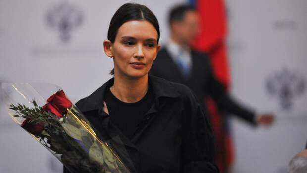 32-летняя актриса Паулина Андреева впервые вышла в свет после рождения ребенка