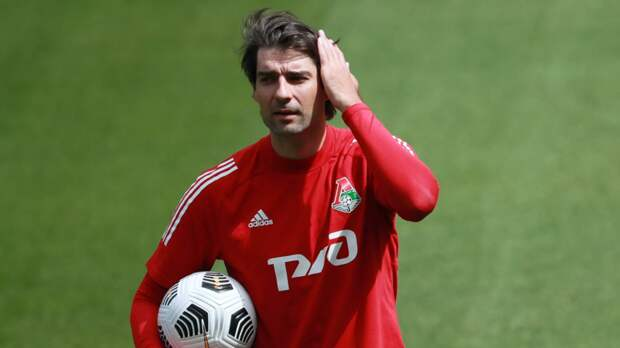 Чорлука намеренв будущем стать тренером «Локомотива»