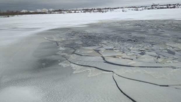В Томской области уплывшую на льдине любительницу селфи отпустили домой после осмотра