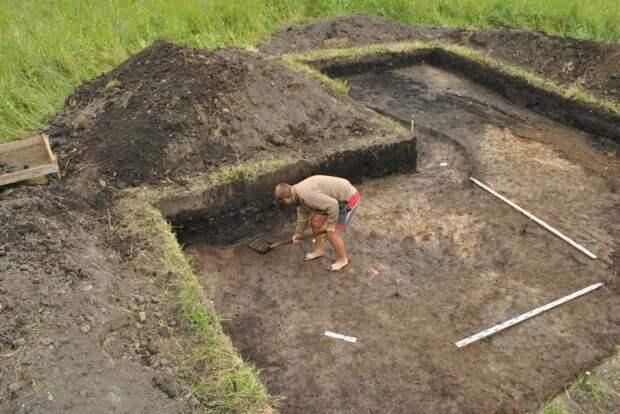 Под Костромой археологи нашли печать знаменитого князя Святослава