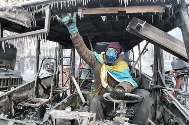 «Путин запретил Майданы в Украине,скакать против власти никто не выйдет»