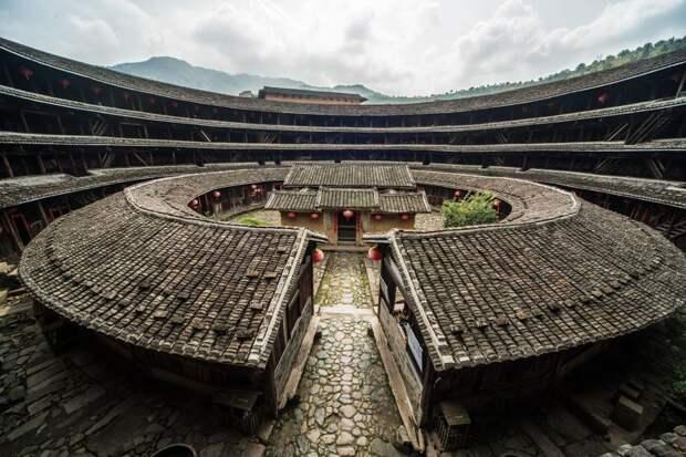 Самое безопасное пространство: как возводили уникальные дома-замки в Китае