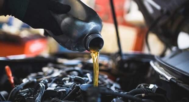 Перечислены ошибки водителей, приводящие к перерасходу моторного масла