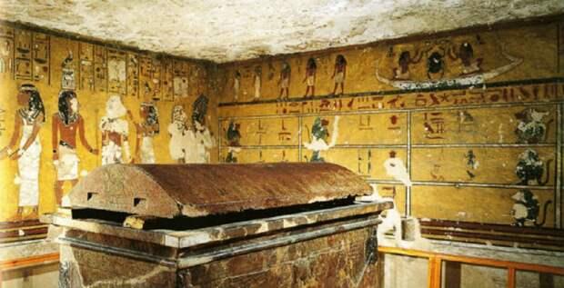 В проклятие фараонов верил даже Муссолини  Сюрпризы, ожидавшие исследователей после вскрытия египетских гробниц