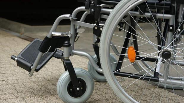 Рецидивисты украли коляску у спящего инвалида в Симферополе