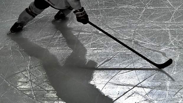 СМИ: Хоккеист получил ножевое ранение в шею в центре Москвы