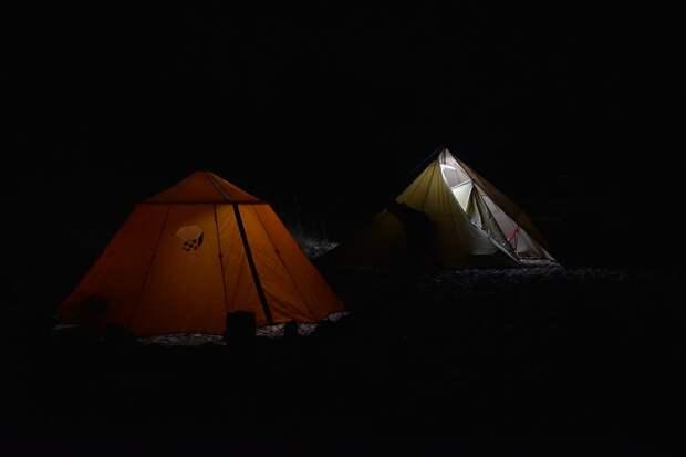 Туристический лагерь, ночь, фото https://pixabay.com/ru/