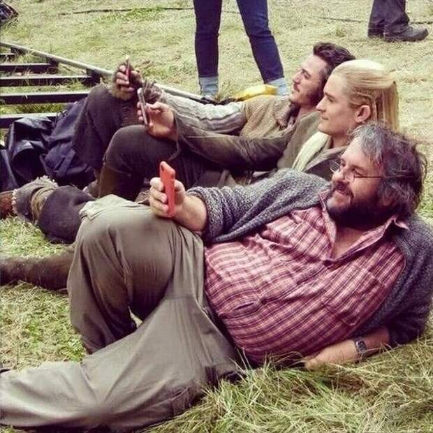 Люк Эванс, Орландо Блум и Питер Джексон отдыхают на съемочной площадке «Хоббита»