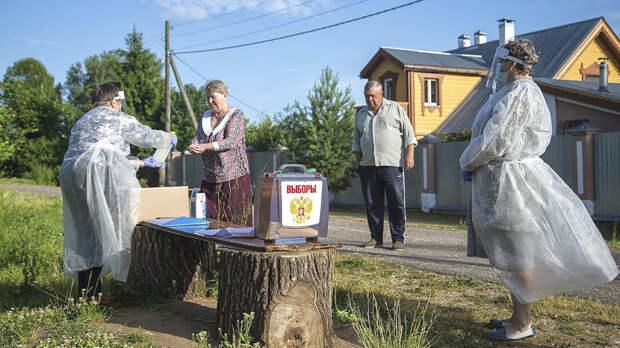 Члены избиркомов выступили против трехдневного голосования. Они собрали 400 подписей под обращением к ЦИК