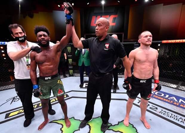 Видео запрещенного удара, из-за которого русского бойца Яна лишили чемпионского пояса UFC