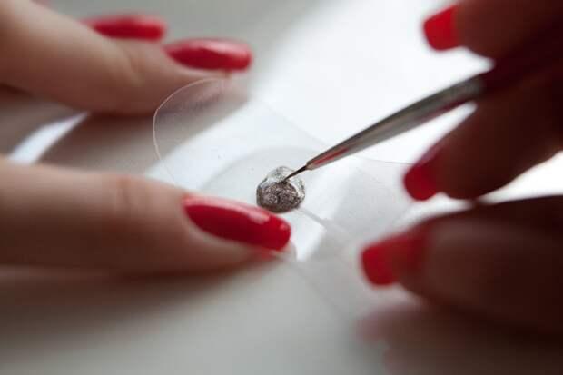 Легкий маникюр - наклейка на ногти своими руками (Diy)