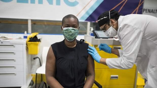 Врачи из США рассказали, почему люди заражаются коронавирусом после вакцинации