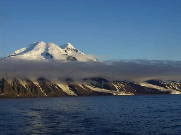 Остров Ян-Майнен, предположительно открытый Гудзоном в первое арктическое плавание
