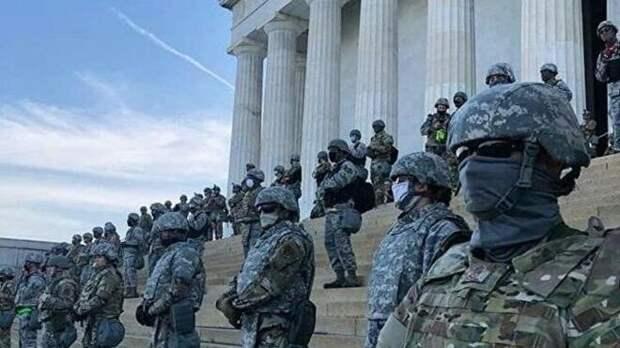 Ловушка Трампа скоро захлопнется: в США готовятся к введению военного положения