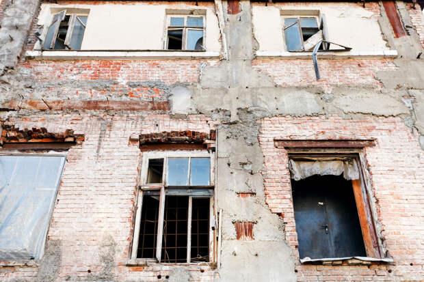 Хуснуллин обвинил регионы в сокрытии реального количества аварийного жилья