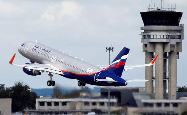 Российские авиакомпании в августе сократили перевозки на 33%