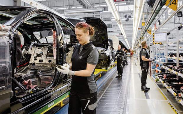Жизнь удалась: рабочие Daimler получат по 5400 евро за хорошую работу